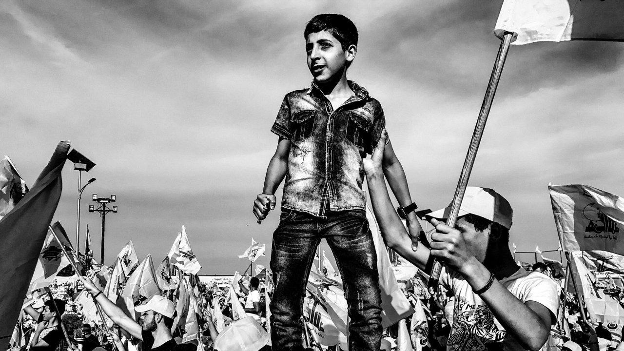 Problémy dnešní doby, single fotografie: Martin Bandžák, volný fotograf / Hizballáh, oslavy vítězství nad Izraelem