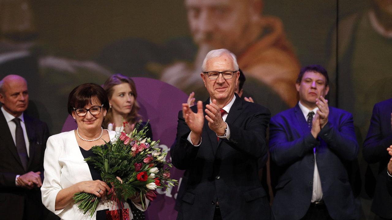 Jiří Drahoš s manželkou ve štábu.