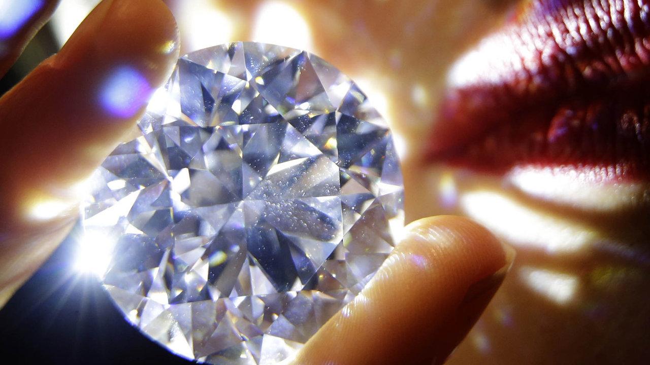 Unikátní diamant briliantového brusu o velikosti převyšující sto karátů je na prodej.