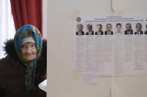 Rusové zvolili prezidenta. Úřady usilovaly o co nejvyšší účast, voliče lákaly na jídlo i na lístky na popové koncerty