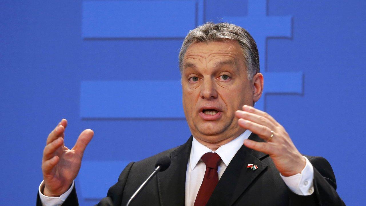 Maďarský ministr Viktor Orbán při proslovu na konferenci v Polsku.