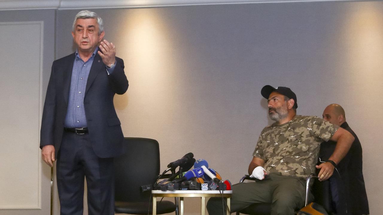 Arménský premiér Serž Sargsjan odstupuje z funkce.