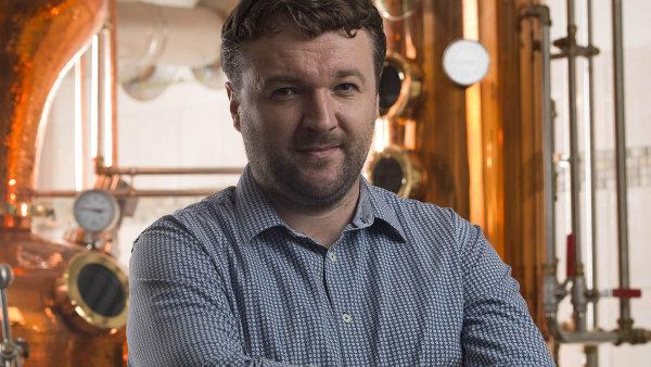 Při podnikání si dejte pozor na velké oči a přílišná očekávání, radí výrobce absintu a dalšího kvalitního alkoholu Martin Žufánek.