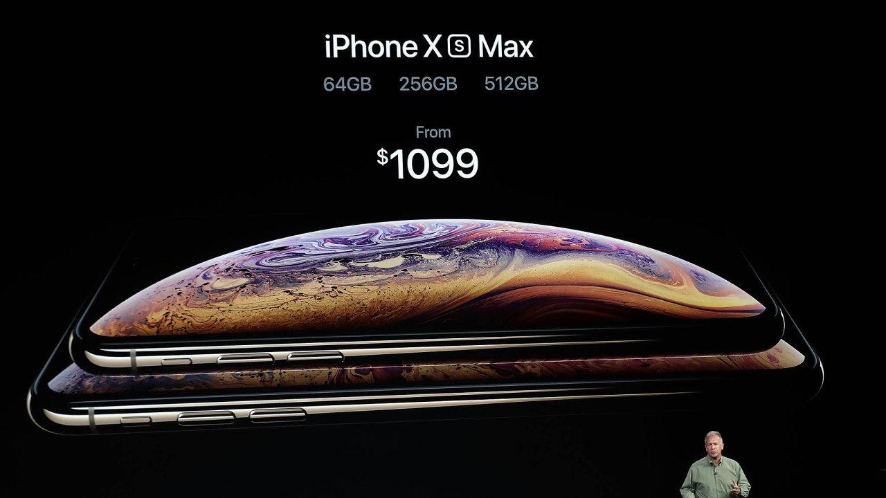 Prezentace nových modelů iPhone v Cupertinu.
