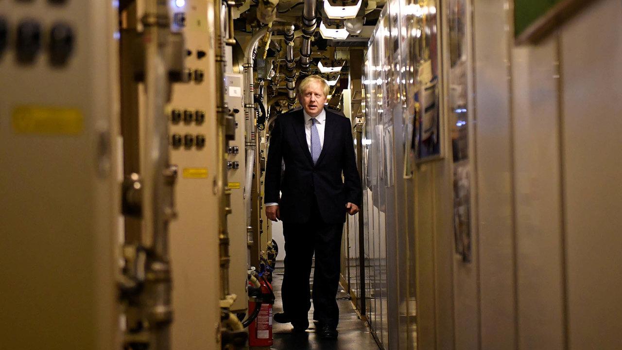 Britský premiér Boris Johnson objel Spojené království asliboval asliboval. Třeba 300 milionů liber napodporu Skotska, Severního Irska aWalesu nebo několik miliard liber namodernizaci nemocnic.