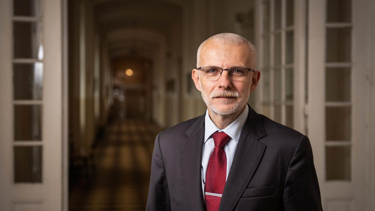 Úřednický šiml: Řediteli průmyslovky Radku Sáblíkovi vadí, že musí dokola vyplňovat stejné údaje pro různé úřady.