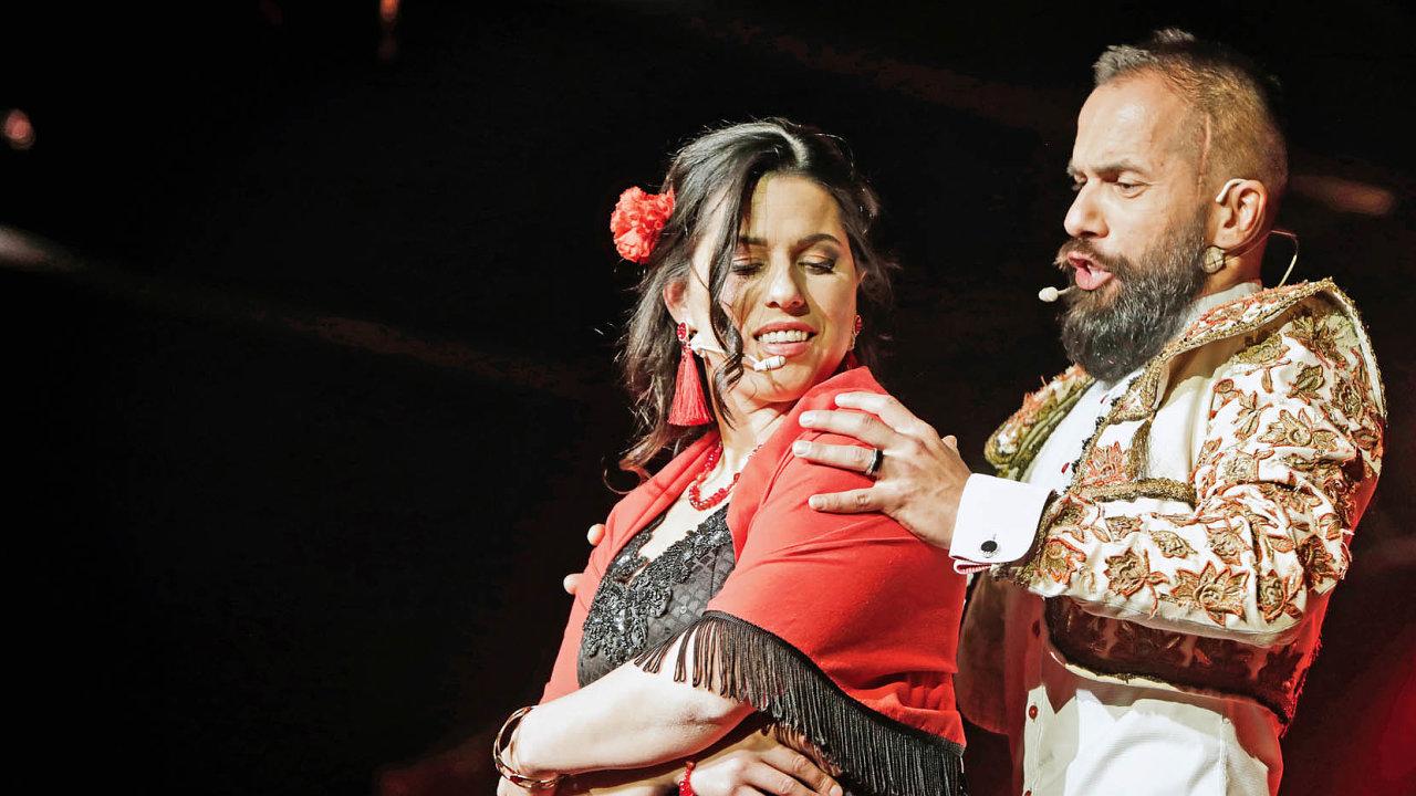 Carmen a toreador: Bohumila Sommerová a Miro Bartoš vystupují na Miss Gypsy v Ostravě.