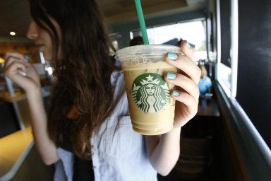 Obecně ukolosů typu Starbucks čiAmazon zůstává ažšest procent karet nevyužitých. Vroce 2017 si zákazníci Starbucksu nevypili 57 milionů šálků kávy, díky čemuž si polepšil o105milionů dolarů.