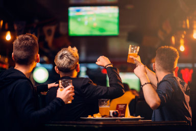 Pro příště bez emocí. Reklama na alkohol by v budoucnu podle představ ministerstva zdravotnictví měla být bez lidí a bez emocí. Nanejvýš fakta o výrobě a povinné varování o jeho škodlivosti.