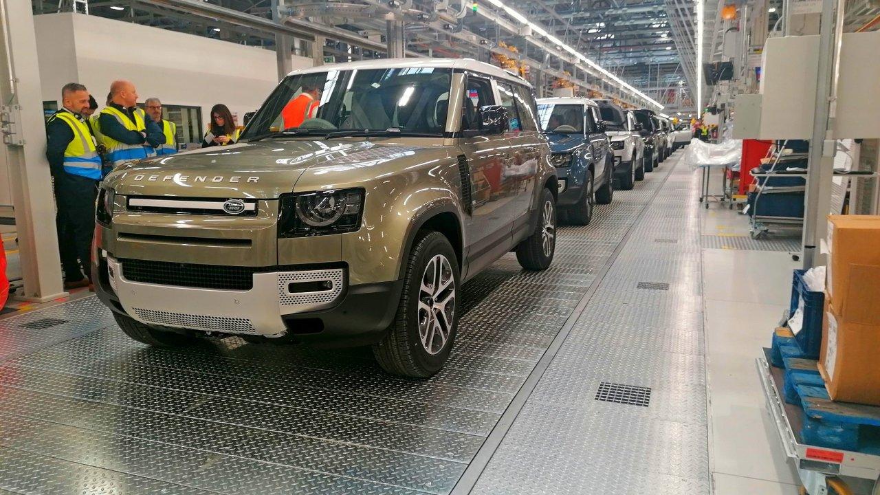 Jaguar Land Rover továrna automobil průmysl