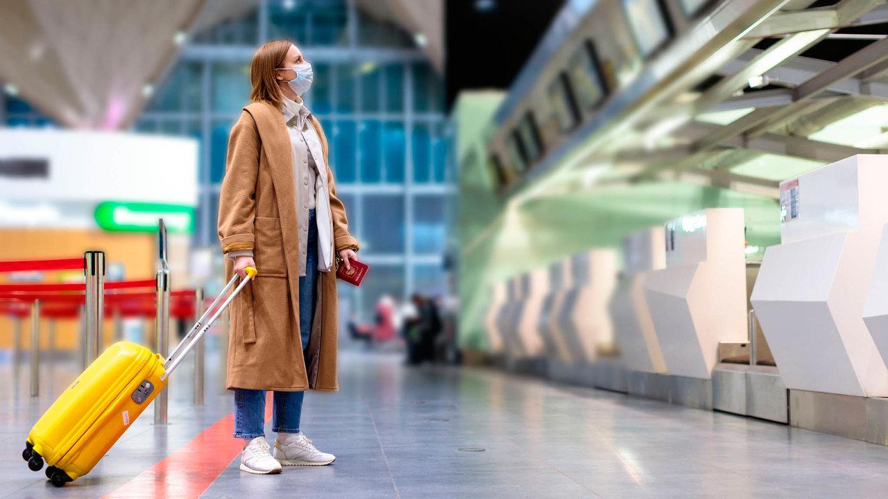 Na turisty čekají různé typy kontrol na letištích nebo při překročení hranic autem.