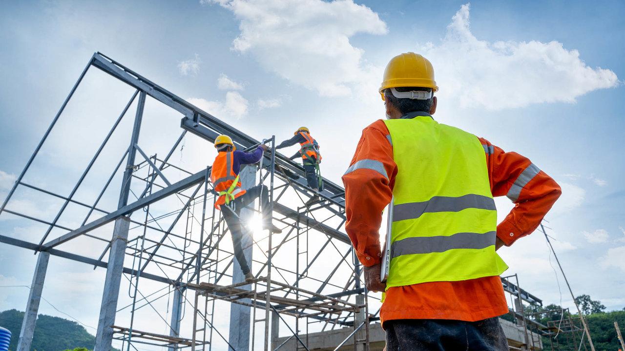 Čísla Inspektorátu práce ukazují, že zaměstnanci si nanerovné zacházení stěžují stále častěji. Loni podali kvůli diskriminaci celkem 368 podnětů, což je vporovnání srokem 2017 nárůst opětinu.