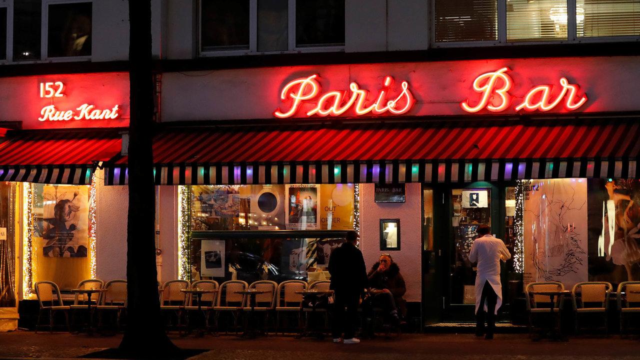 Loučení sbary: Minimálně 14dní musí zůstat bary vPaříži anajejích předměstích zavřené.