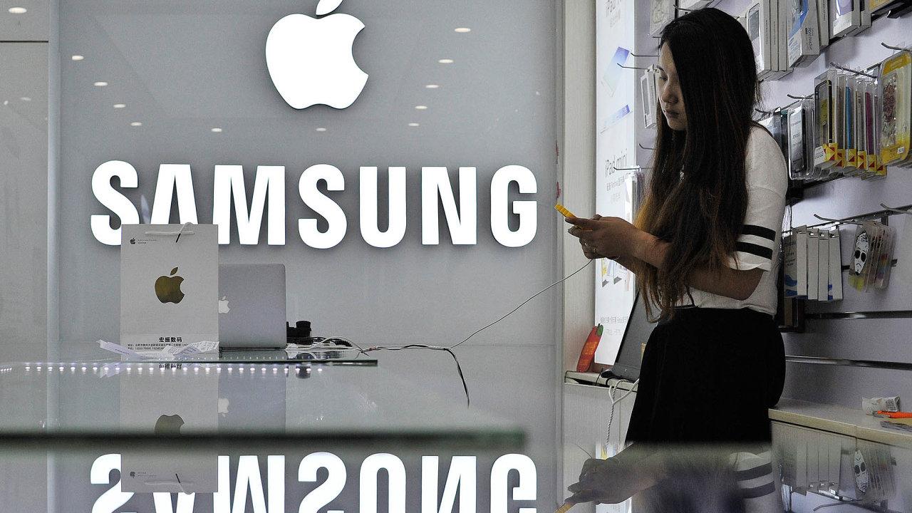 Samsungu se hodí iodkladpředstavení nového iPhonu odApplu naříjen.