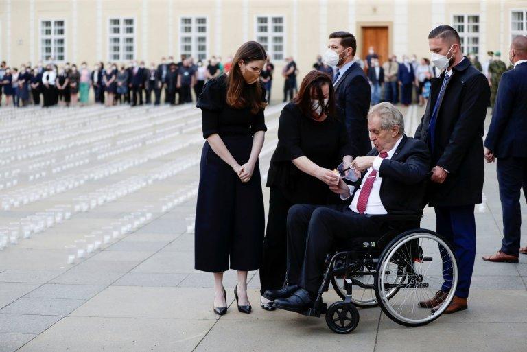 Pražský hrad, pieta za oběti koronaviru, Zeman