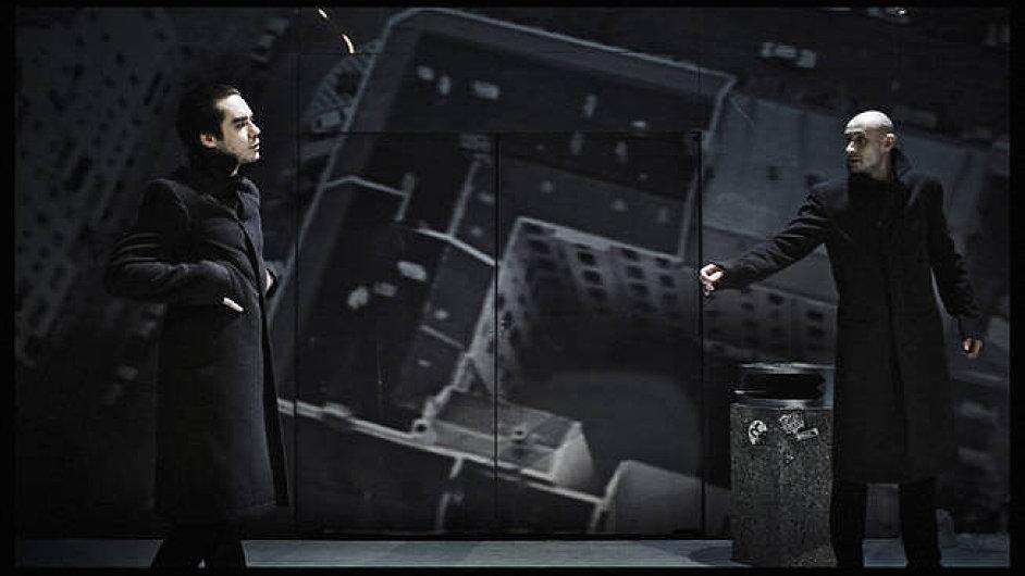 Patrik Děrgel a Marek Pospíchal v Nebi nad Berlínem, které se přeneslo na pražský Anděl
