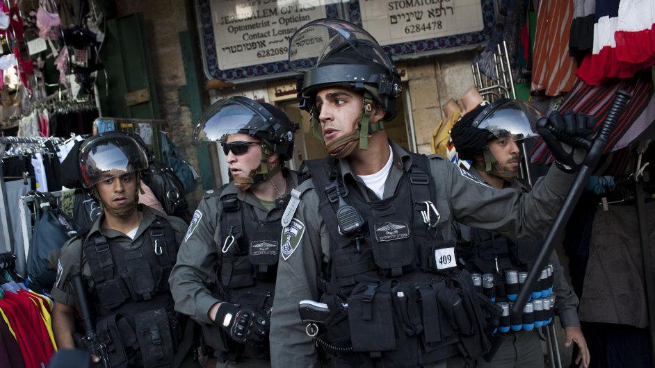 Izraelská pohraniční policie při střetech ve východním Jeruzalémě