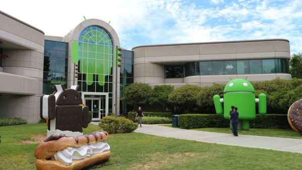 Budova 44 v centr�le Googlu, zde s�dl� v�voj syst�mu Android