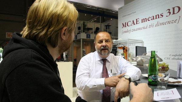 Miloslav Dr�pela, �editel MCAE