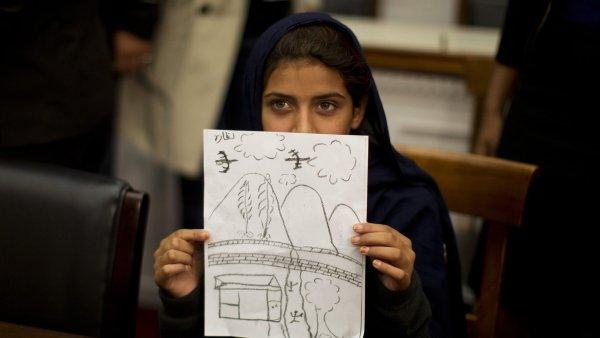 Devítiletá Nabeela svědčí v Kongresu o útocích bezpilotních letounů v Pákistánu
