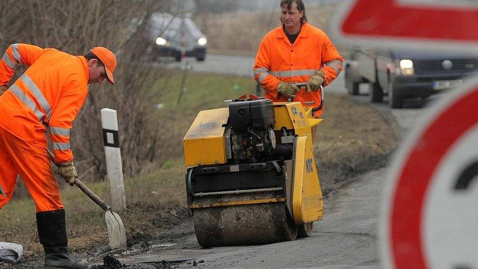 Jak nedávno vyplynulo z šetření NKÚ, cenu dálnic u nás zvyšuje nekvalitní a příliš dlouhá příprava