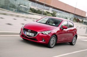 Nová Mazda 2 ignoruje současné trendy. A parádně se s ní jezdí