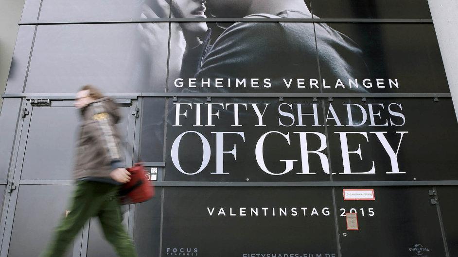 Film Padesát odstínů šedi dnes vstupuje do českých kin.