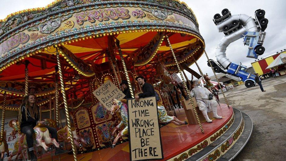 Snímky z Banksyho zábavního parku Dismaland