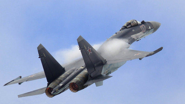Čína koupí od Ruska stíhačky Suchoj Su-35 - Ilustrační foto.