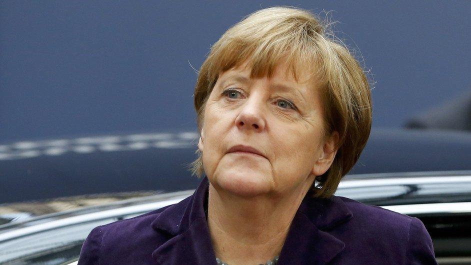 Angela Merkelová. Německá kancléřka přijíždí na summit evropských lídrů.