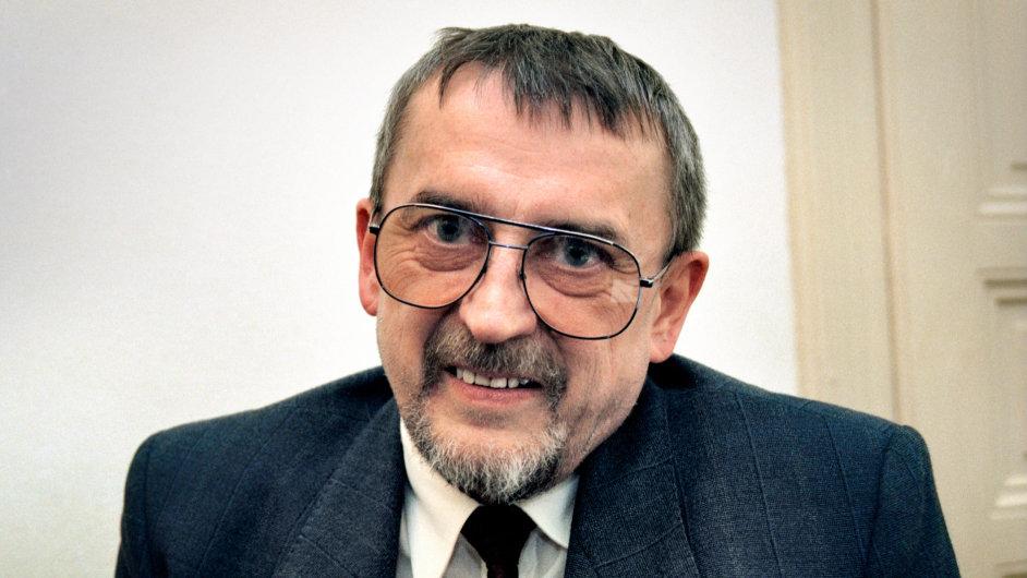 Spisovatel Jan Lopatka na archivním snímku z května 1993. Dva měsíce nato zemřel.
