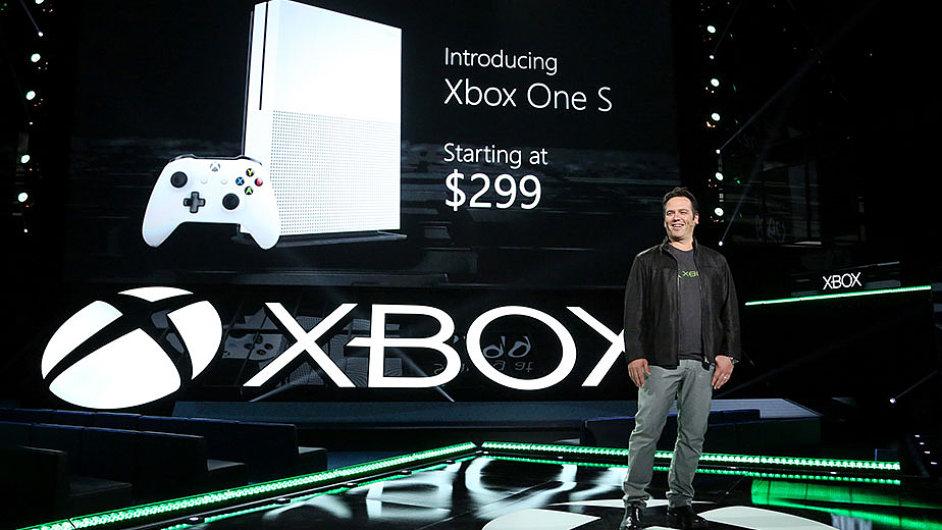 Phil Spencer představuje Xbox One S