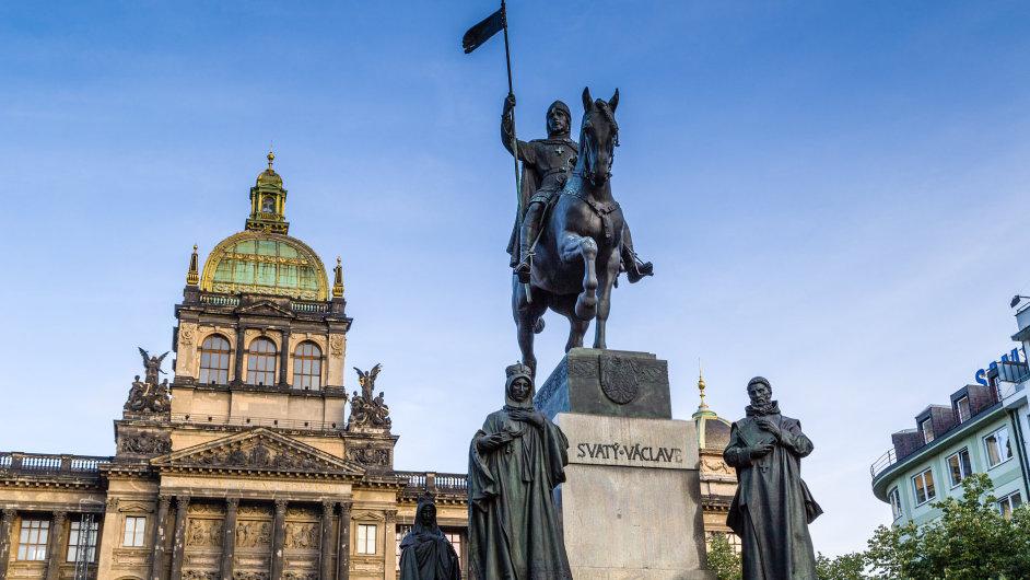 Pomník sv. Václava na pražském Václavském náměstí vytvořil Josef Václav Myslbek.