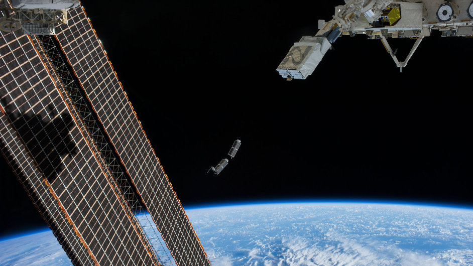 Cubsats miniaturní satelity, družice.