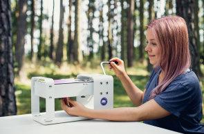 Polymer není modelína, ale umělecký materiál, říká mladá umělkyně. O své práci bude přednášet na konferenci Úspěchobraní