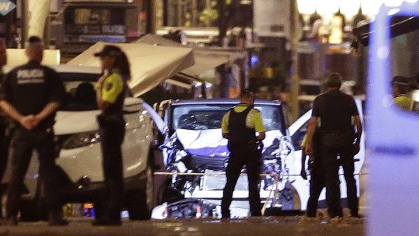 V centru Barcelony najela dodávka do lidí, nejméně 13 obětí a přes 100 zraněných. Policie zabila jednoho podezřelého, dva zadržela