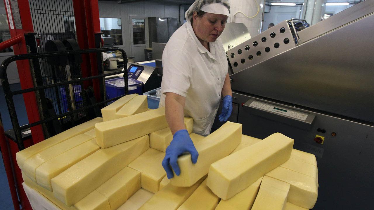 Sýry z Jižních Čech: Jihočeská Madeta je největším domácím producentem mléčných výrobků.