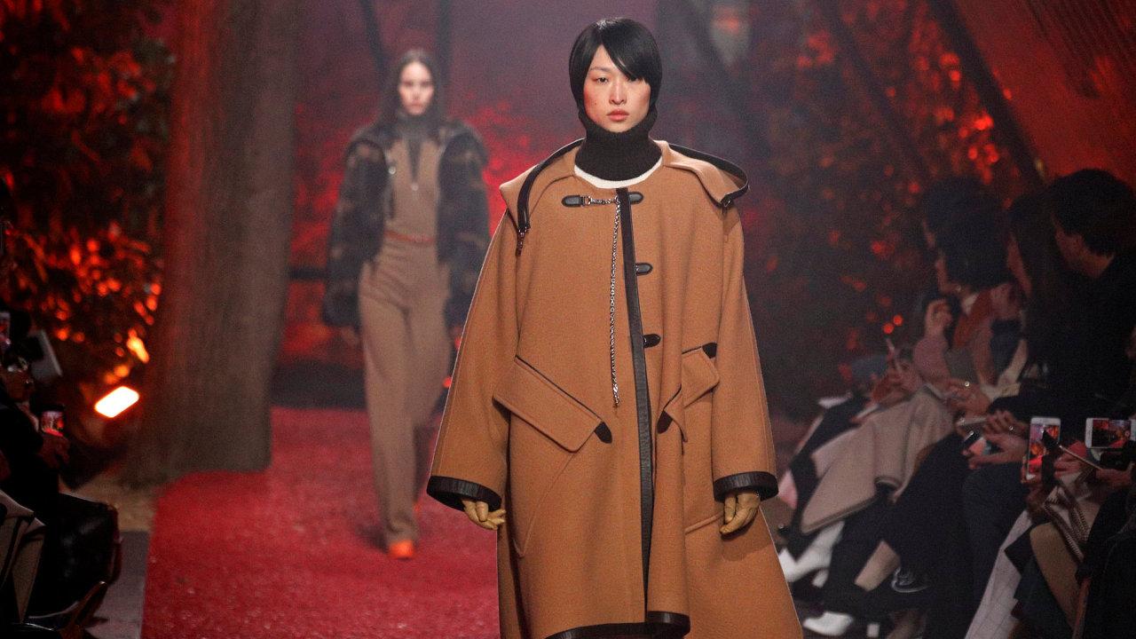 Přehlídka kolekce francouzské návrhářky Nadege Vanhee-Cybulski pro módní dům Hermes.