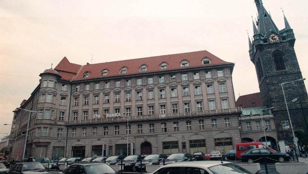 Palác byl postaven mezi roky 1912 a 1916 podle návrhu architektů Josefa Zascheho a Theodora Fischera.
