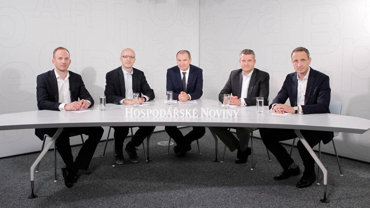 Setkání Fintech Leaders Clubu o umělé inteligenci ve financích se zúčastnili Adam Šoukal (zleva), Petr Šrámek, Marek Miler, Isold Heemstra a Ivo Gavenda.
