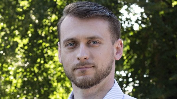 Emil Sedlařík, Senior PR Specialista v agentuře Fenek
