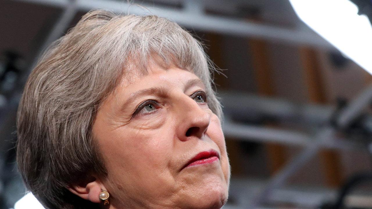První část úkolu splněna. Britská premiérka Mayová se na pravidlech brexitu dohodla s unií. Druhá část jejího poslání – přesvědčit vlastní konzervativce – ji teprve čeká.