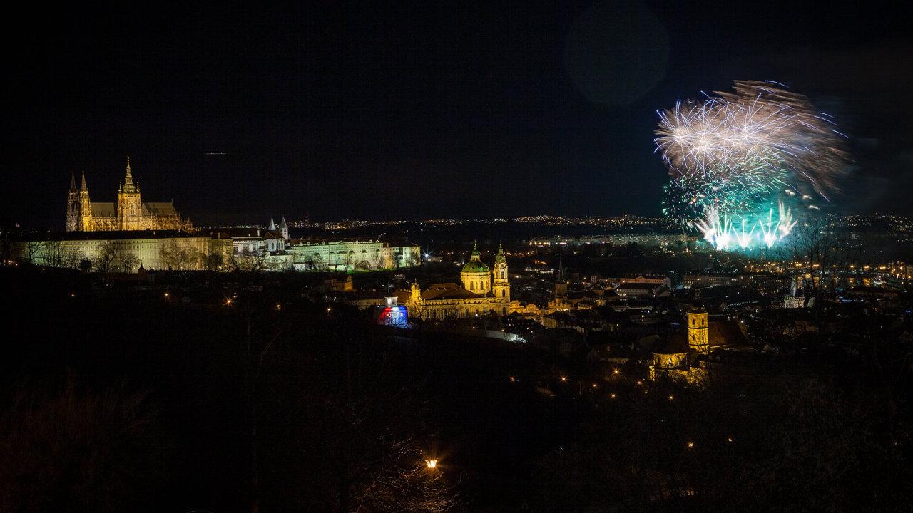 Ústředním tématem novoročního ohňostroje byla svoboda.