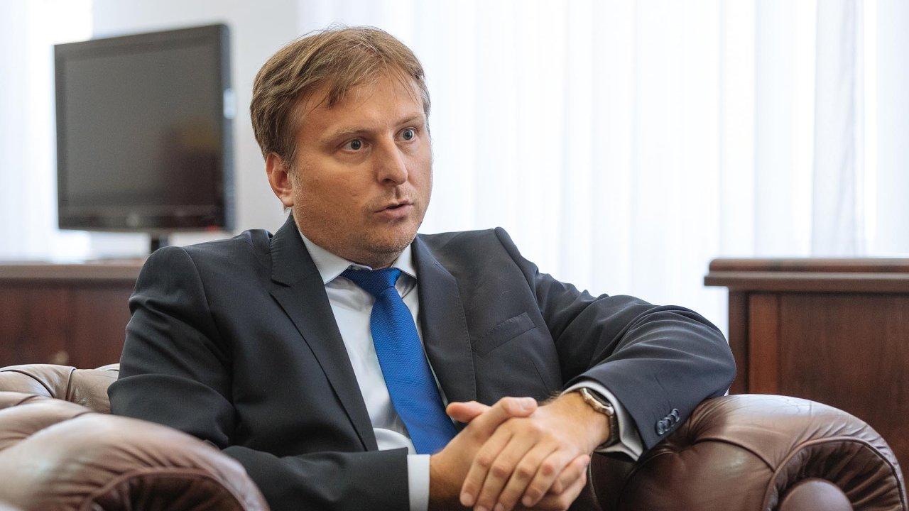 Ministr spravedlnosti a šéf Legislativní rady vlády (LRV) Jan Kněžínek (za ANO).