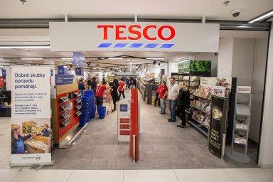 Maloobchodní společnost Tesco uvažuje, že ve svých obchodech v Británii zruší pulty s masem, rybami a lahůdkami. Ilustrační foto