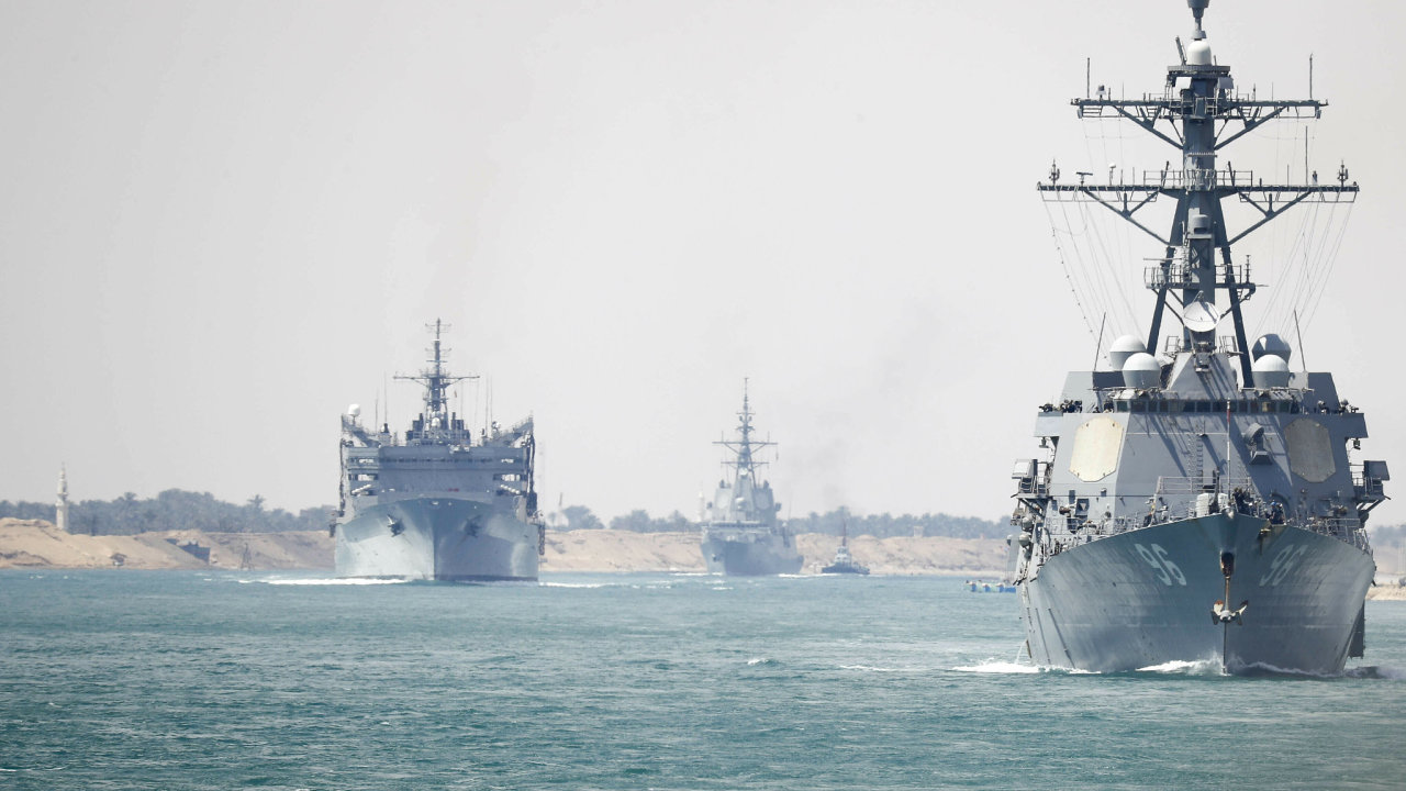USA nechaly přesunout do oblasti Perského zálivu letadlovou loď - Ilustrační foto.