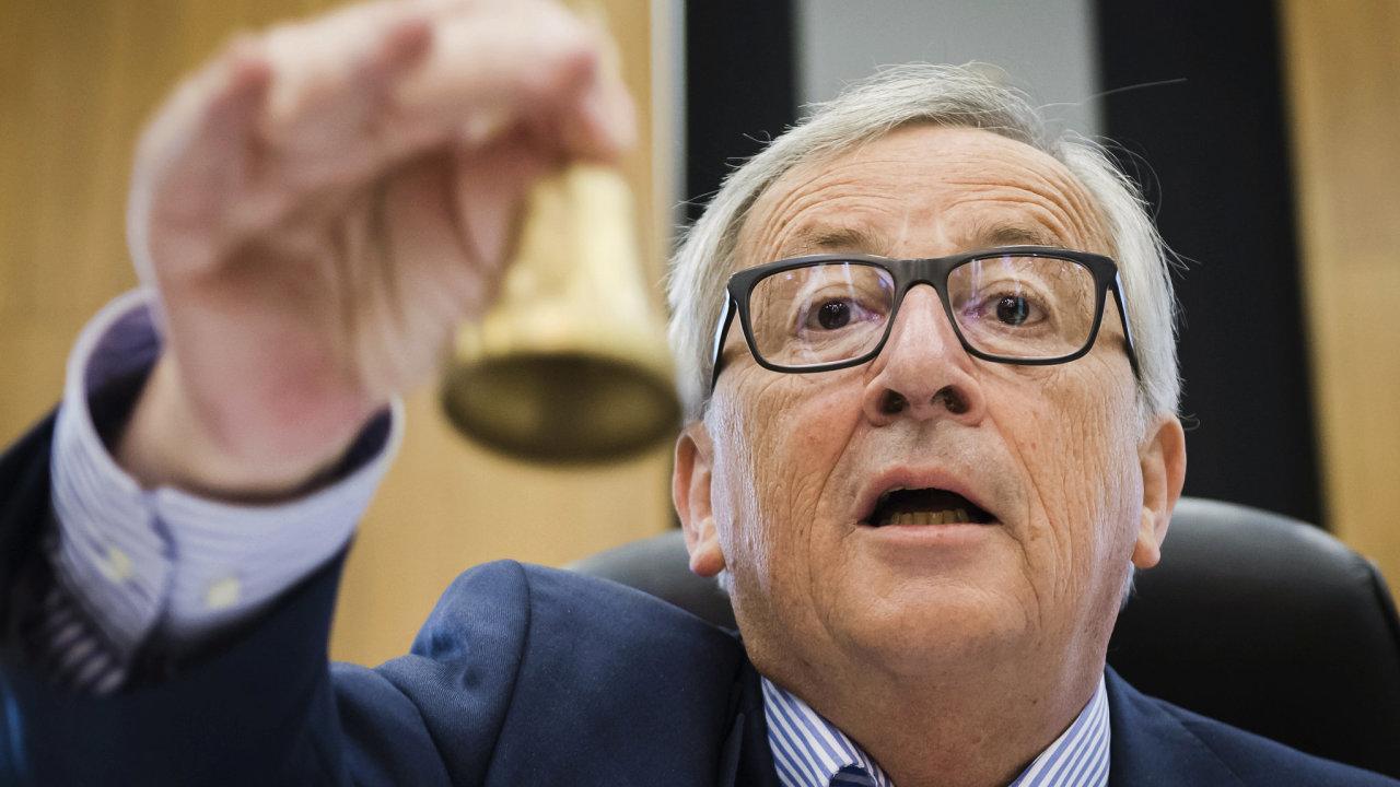 Předseda Evropské komise Jean-Claude říká, že se Česko musí pro přijetí eura rozhodnout samo.