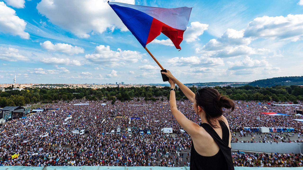 Zhruba tříhodinový protest se stal největším vhistorii samostatného Česka.