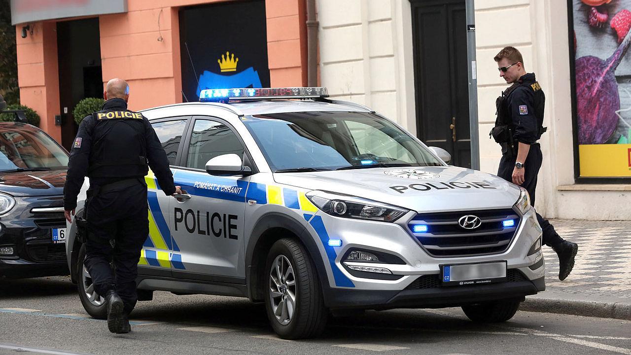 Policisté zasahují i v bytě Kratochvíla - Ilustrační foto.