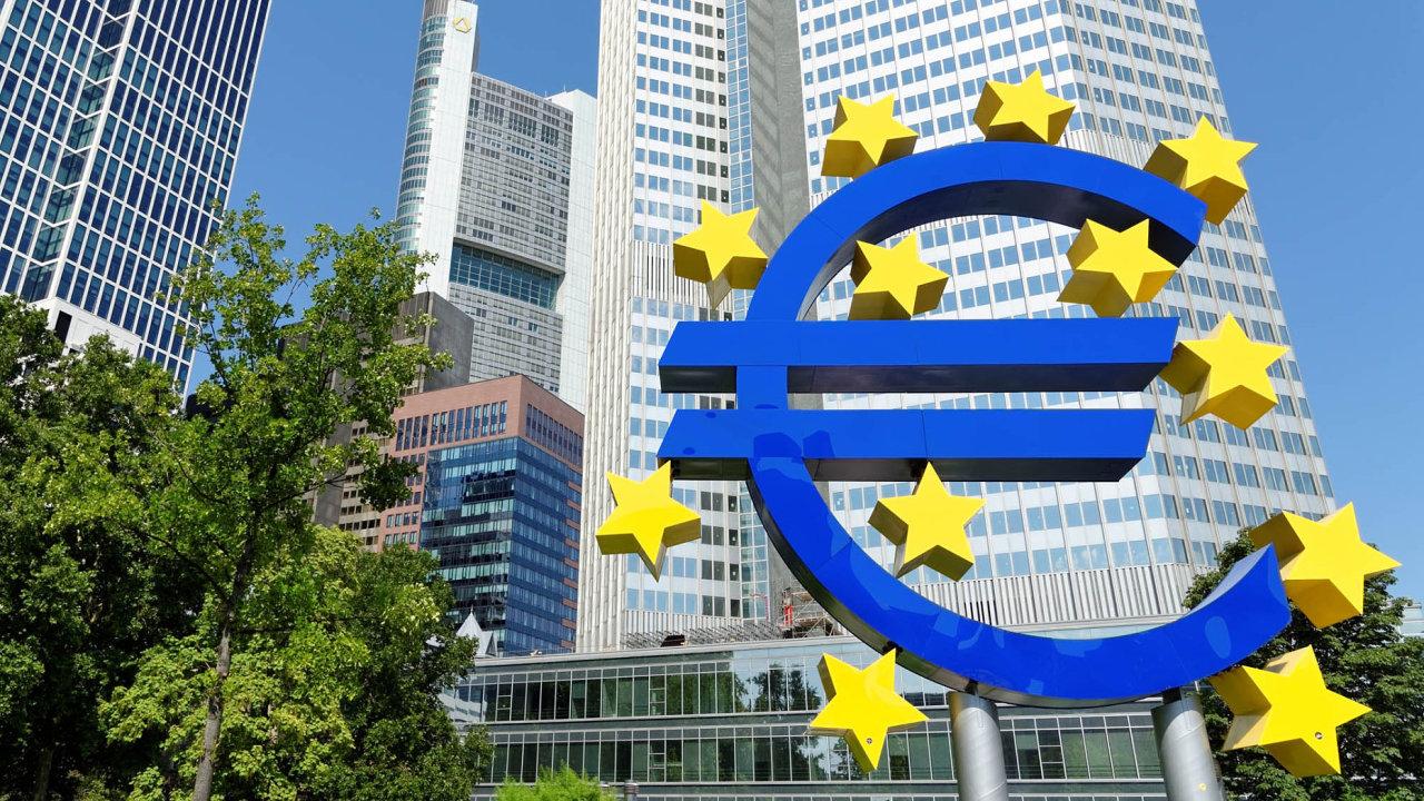 Opotřebě větší regulace kryptoměn mluvili tento týden také prezident ECB Mario Draghi agenerální manažer BIS Agustín Carstens..